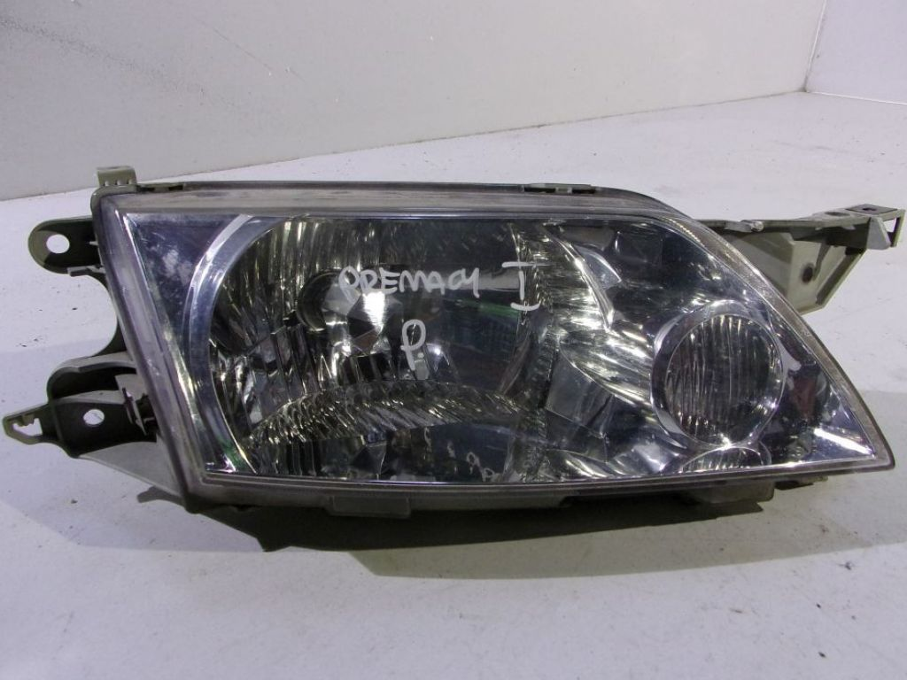 Mazda Premacy lampa prawa przód