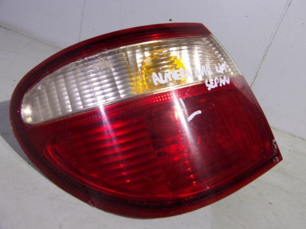 Nissan Almera N16 lift sedan lampa lewa tył