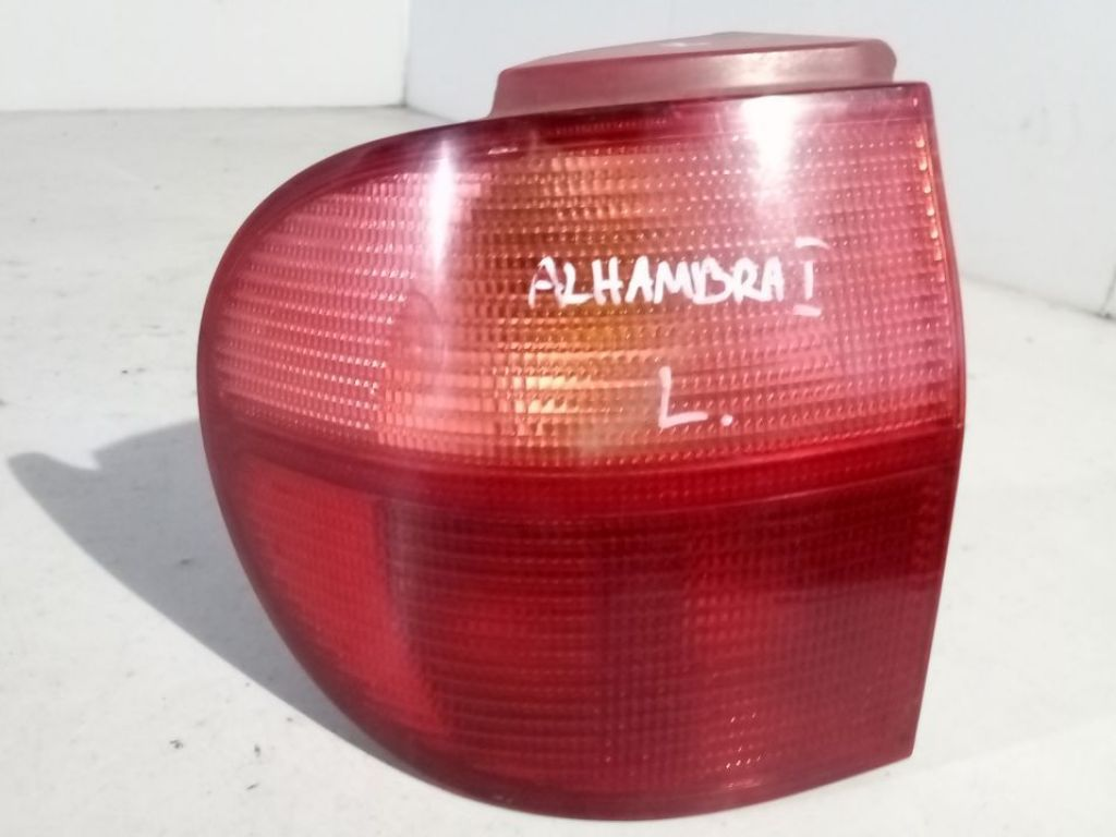 Seat Alhambra I lampa lewa tylna